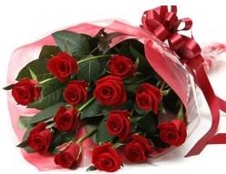 Bartın anneler günü çiçek yolla  10 adet kipkirmizi güllerden buket tanzimi