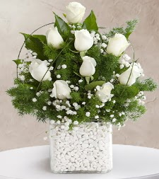 9 beyaz gül vazosu  Bartın çiçek satışı