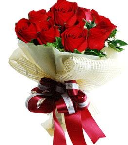 9 adet kırmızı gülden buket tanzimi  Bartın çiçek gönderme sitemiz güvenlidir
