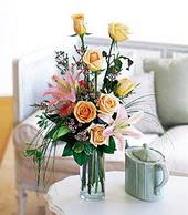 Bartın çiçek , çiçekçi , çiçekçilik  cam yada mika vazo içerisinde gül kazablanka