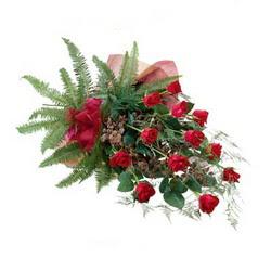 Bartın online çiçek gönderme sipariş  10 adet kirmizi gül özel buket çiçek siparisi