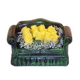 Seramik koltuk 12 sari gül   Bartın ucuz çiçek gönder