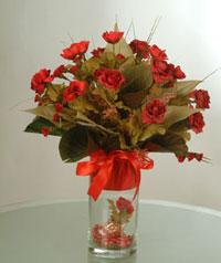yapay güllerden vazo  9 gül  Bartın uluslararası çiçek gönderme