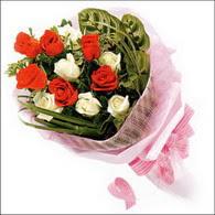 5 kirmizi 5 beyaz güllerden   Bartın online çiçek gönderme sipariş