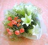 Bartın çiçek yolla  lilyum ve 7 adet gül buket