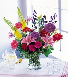 Bartın cicekciler , cicek siparisi  karisik mevsimsel çiçeklerden hos bir vazo tanzimi