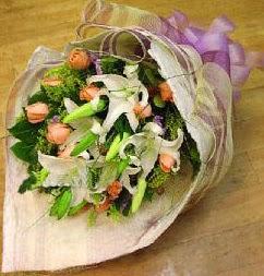 Bartın internetten çiçek satışı  11 ADET GÜL VE 1 ADET KAZABLANKA
