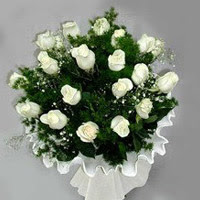 Bartın hediye çiçek yolla  11 adet beyaz gül buketi ve bembeyaz amnbalaj