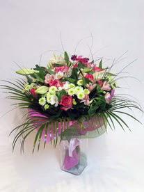 Bartın hediye çiçek yolla  karisik mevsim buketi mevsime göre hazirlanir.