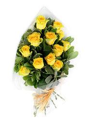 Bartın güvenli kaliteli hızlı çiçek  12 li sari gül buketi.