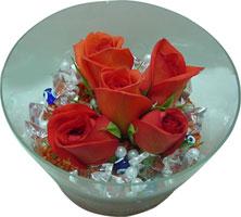 Bartın 14 şubat sevgililer günü çiçek  5 adet gül ve cam tanzimde çiçekler
