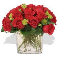 Bartın çiçekçi telefonları  10 adet kirmizi gül ve cam yada mika vazo