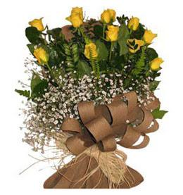 Bartın çiçek yolla  9 adet sari gül buketi