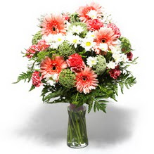 Bartın çiçekçiler  cam yada mika vazo içerisinde karisik demet çiçegi