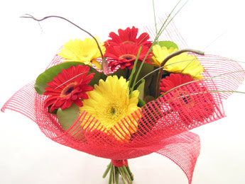9 adet gerbera çiçeklerinden buket  Bartın çiçek satışı