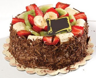 pastaci firmasindan 4 ile 6 kisilik çikolata meyvali yaspasta  Bartın çiçek siparişi sitesi