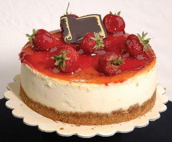 online pastaci 4 ile 6 kisilik yas pasta çilekli  Bartın çiçek siparişi sitesi