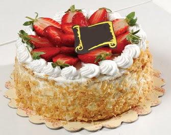 uygun pastaneler 4 ile 6 kisilik çilekli yas pasta lezzetli  Bartın çiçek siparişi vermek