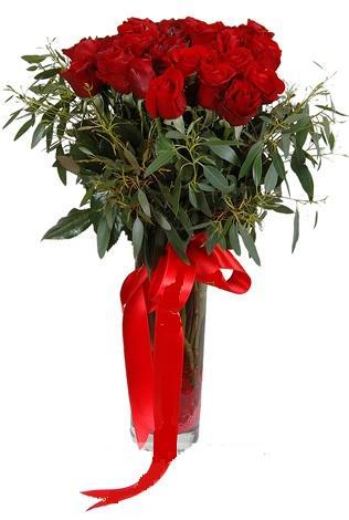 15 adet kirmizi gül cam vazo içerisinde  Bartın internetten çiçek satışı