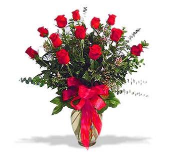 çiçek siparisi 11 adet kirmizi gül cam vazo  Bartın online çiçek gönderme sipariş