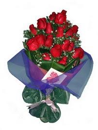 12 adet kirmizi gül buketi  Bartın online çiçek gönderme sipariş