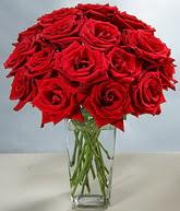 Bartın çiçekçi mağazası  cam vazoda 11 kirmizi gül  Bartın hediye sevgilime hediye çiçek