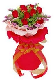 Bartın cicekciler , cicek siparisi  8 Adet kirmizi güllerden buket tanzimi