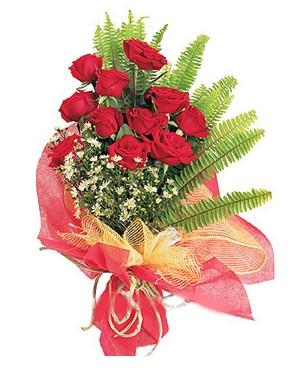 Bartın İnternetten çiçek siparişi  11 adet kırmızı güllerden buket modeli