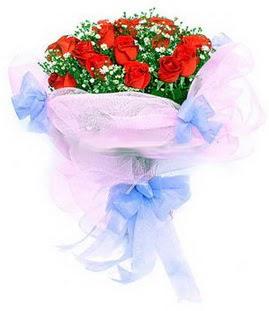 Bartın çiçek siparişi sitesi  11 adet kırmızı güllerden buket modeli