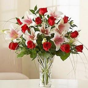 Bartın çiçek mağazası , çiçekçi adresleri  12 adet kırmızı gül 1 dal kazablanka çiçeği