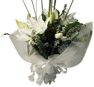 Bartın çiçekçi mağazası  2 dal kazablanka çiçek buketi