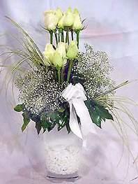 Bartın online çiçek gönderme sipariş  9 adet vazoda beyaz gül - sevdiklerinize çiçek seçimi
