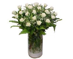 Bartın yurtiçi ve yurtdışı çiçek siparişi  cam yada mika Vazoda 12 adet beyaz gül - sevenler için ideal seçim