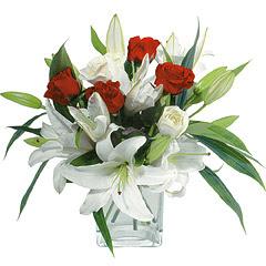 vazo içerisinde 4 gül 1 adet kazablanka  Bartın online çiçek gönderme sipariş