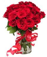 21 adet vazo içerisinde kırmızı gül  Bartın çiçek satışı