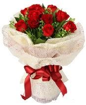 12 adet kırmızı gül buketi  Bartın anneler günü çiçek yolla