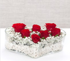kalp içerisinde 7 adet kırmızı gül  Bartın çiçek siparişi vermek