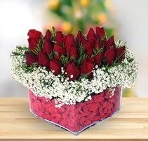 15 kırmızı gülden kalp mika çiçeği  Bartın çiçek satışı