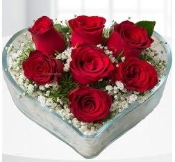 Kalp içerisinde 7 adet kırmızı gül  Bartın çiçek servisi , çiçekçi adresleri