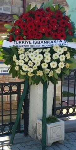 Cenaze çiçek modeli  Bartın hediye sevgilime hediye çiçek