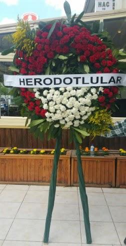 Cenaze çelengi cenazeye çiçek modeli  Bartın çiçek satışı