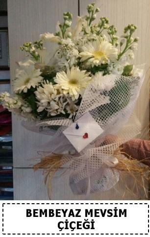 Bembeyaz görsel mevsim çiçek buketi  Bartın çiçek yolla