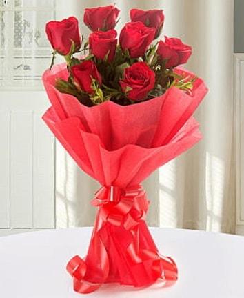 9 adet kırmızı gülden modern buket  Bartın İnternetten çiçek siparişi