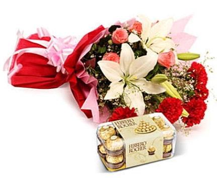 Karışık buket ve kutu çikolata  Bartın çiçek , çiçekçi , çiçekçilik