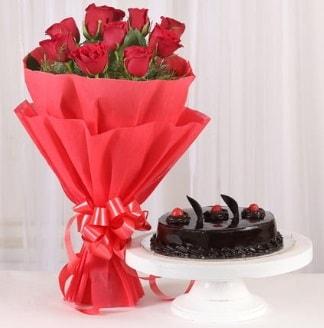 10 Adet kırmızı gül ve 4 kişilik yaş pasta  Bartın internetten çiçek satışı