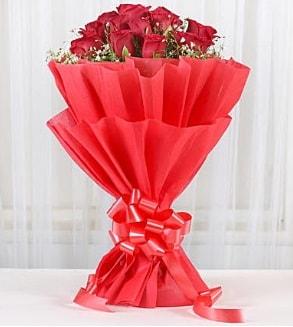 12 adet kırmızı gül buketi  Bartın hediye çiçek yolla